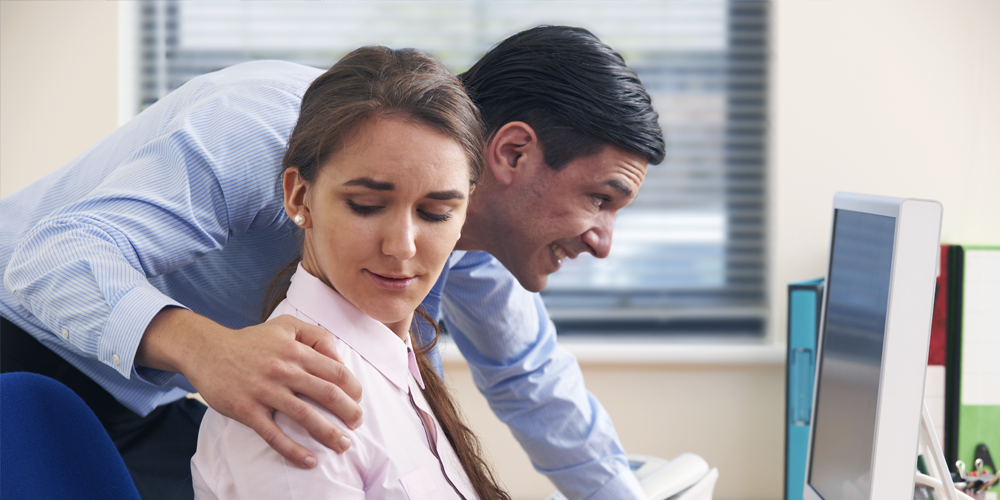 understanding sexual harassment Understanding online sexual harassment harassment does not have to occur in a face-to-face confrontation between two people harassing behavior can occur over a telephone line, in writing, and, thanks to modern technology, over the internet.